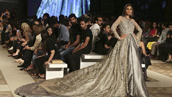 Пакистанская свадебная мода на подиумах в Лахоре