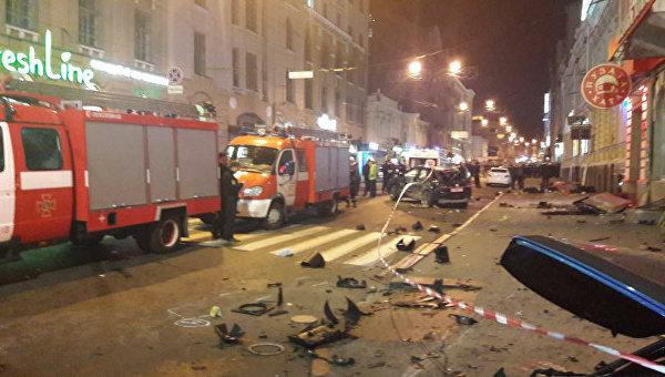 Смертельное ДТП в Харькове. Внедорожник сбил пешеходов на тротуаре