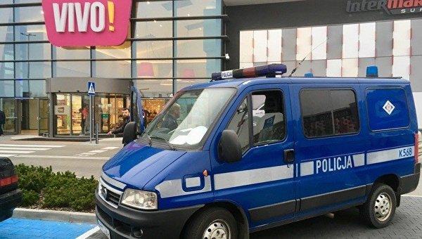 Милиция отвергла идеологические мотивы унапавшего налюдей вТЦ вПольше
