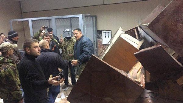 Сторонники командира ОУН Коханивского заблокировали зал суда