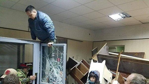 Ситуация в Святошинском райсуде Киева из-за блокирования активистами ОУН
