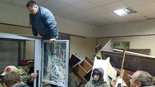 Погром в Святошинском суде Киева соратниками комбата ОУН Коханивского
