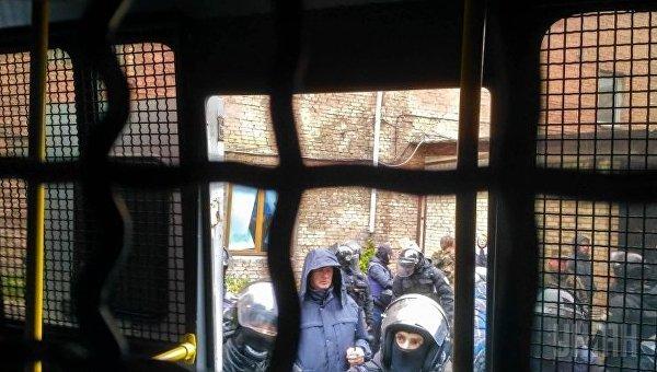 Украинская милиция задержала всуде столицы Украины 30 радикалов