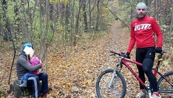 В Харькове в лесопосадке на Алексеевке велосипедист нашел брошенного ребенка