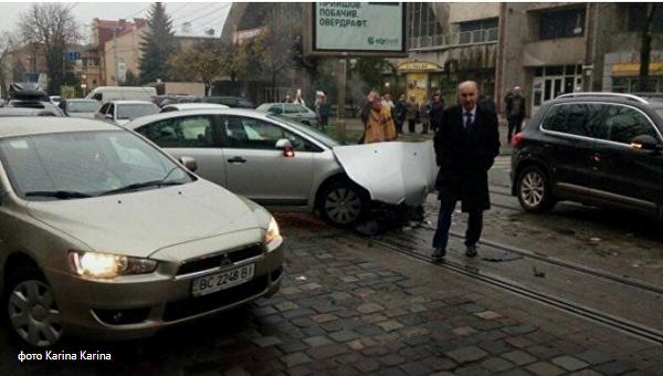Бывший мэр Львова попал в ДТП