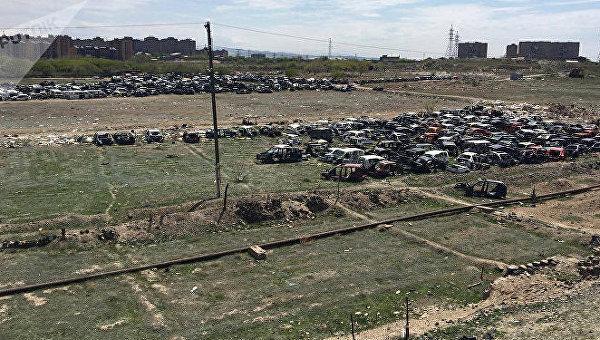 Кладбище автомобилей в Армении