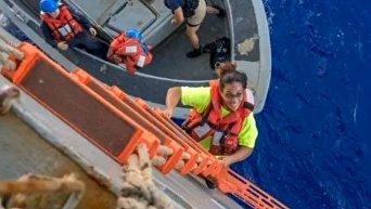 Спасение затерявшихся в Тихом океане женщин с собаками. Видео