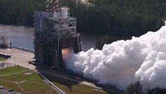 NASA показало испытания нового двигателя для сверхтяжелой ракеты-носителя. Видео