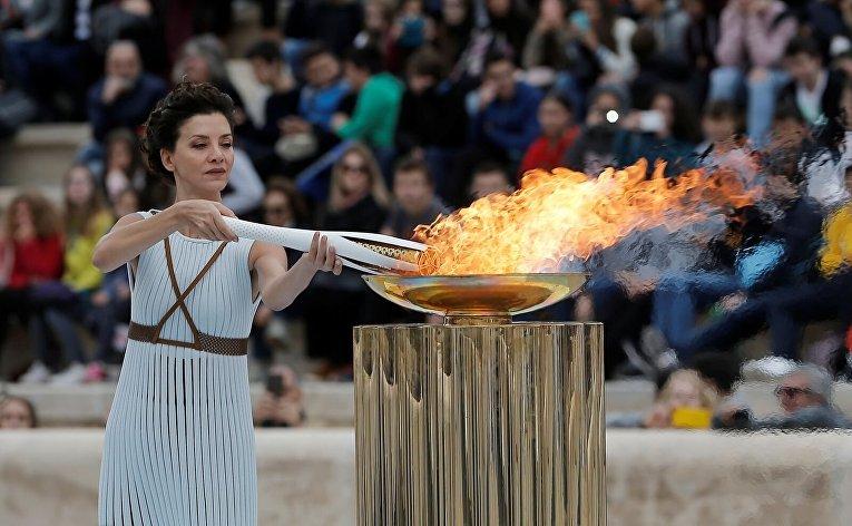 Церемония передачи пламени для Олимпиады-2018