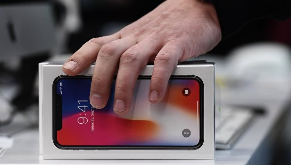 Старт продаж iPhone X