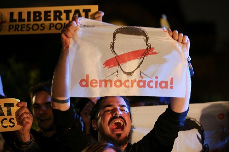 Протест в Испании в поддержку отстраненных органов самоупраления Каталонии
