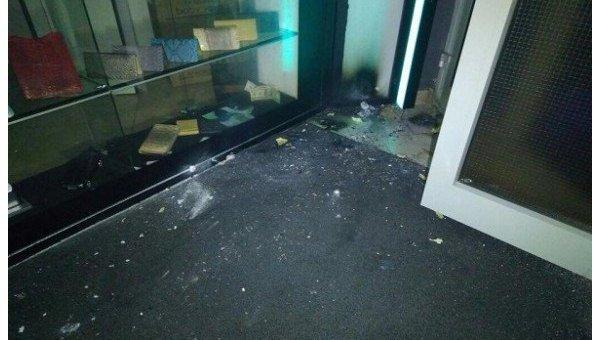 ВКиеве группа из50 человек закидала ресторан дымовыми шашками