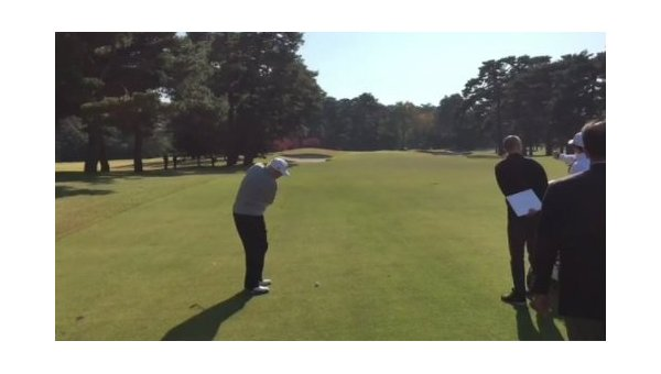 Трамп и Абэ сыграли в гольф