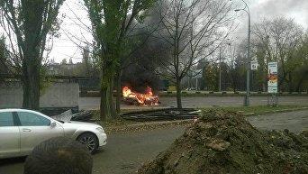 В Киеве посреди дороги вспыхнул автомобиль