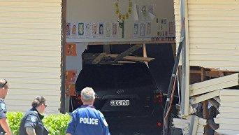 Автомобиль въехал в школу в Сиднее (Австралия)