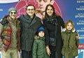 Сергей Безруков с женой Анной Матисон с внебрачными детьми