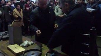 Вскрытие капсулы времени на киевском заводе Арсенал