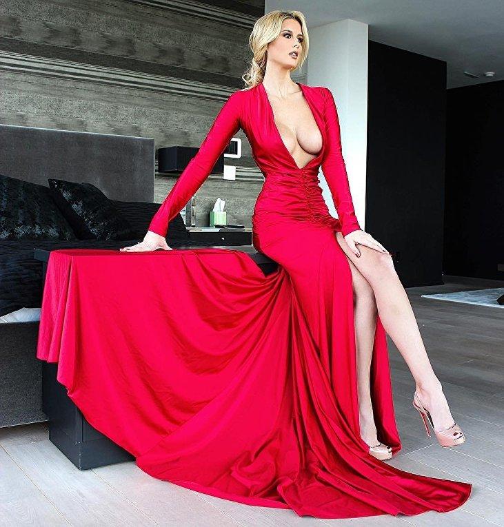 Американская модель Эмма Хернан