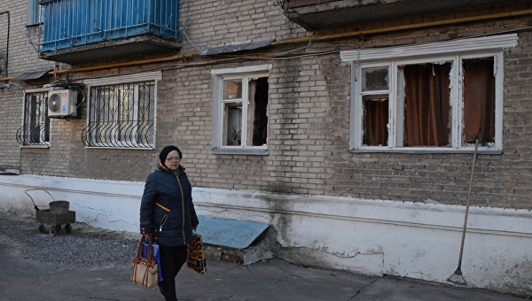Последствия ночного обстрела Ясиноватой в Донбассе