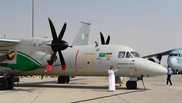 Антонов показал на авиашоу в Дубае два транспортных самолета