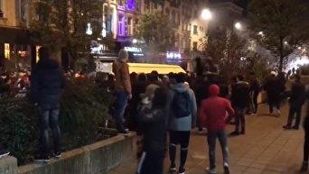 Разгон футбольных фанатов в Бельгии. Видео