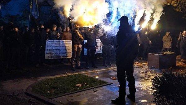 Попытка сжечь флаг Венгрии на Закарпатье