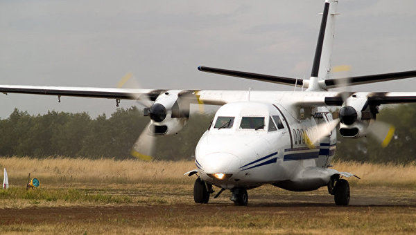 Самолет Let L-410