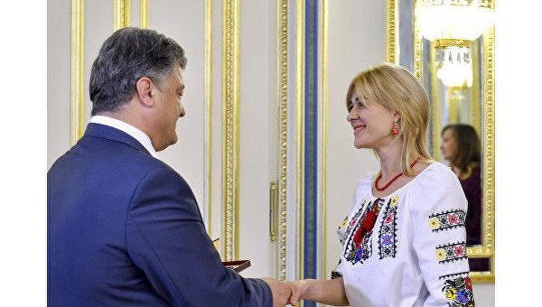 Виолетта Македон и президент Украины Петр Порошенко