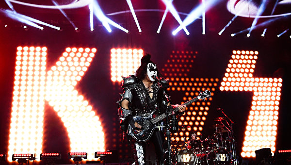 Солисту группы Kiss навсегда запретили появляться наFox News