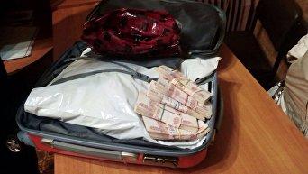 Пограничники изъяли у россиянки более трех миллионов рублей