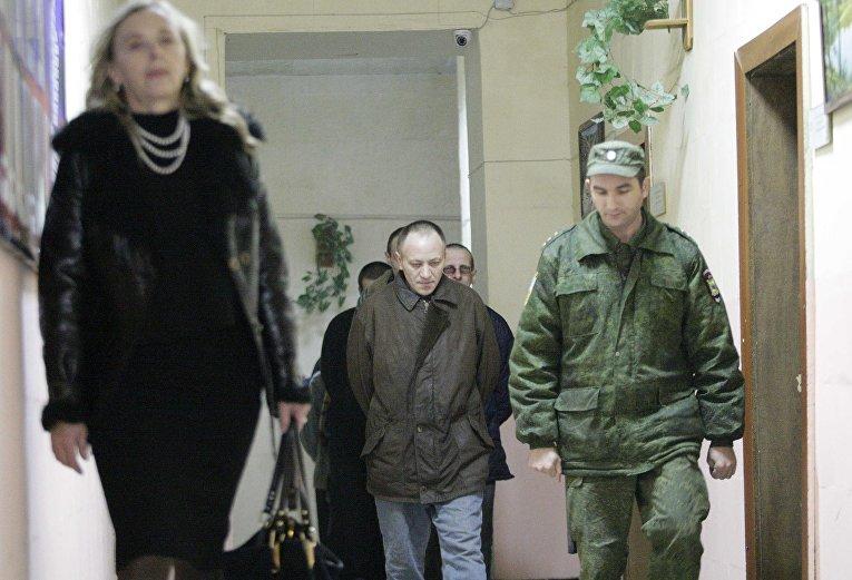 Пленные украинцы в центре заключения в Луганске