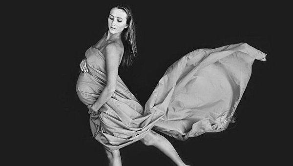 Анна Ризатдинова во время беременности