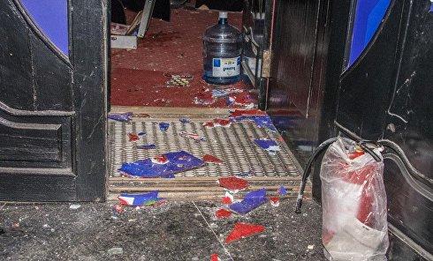 Активисты Нацкорпуса разгромили лотерейные киоски и игровые автоматы на Нивках