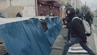 Национальный корпус сносит забор на стройке ЖК Ярославов град