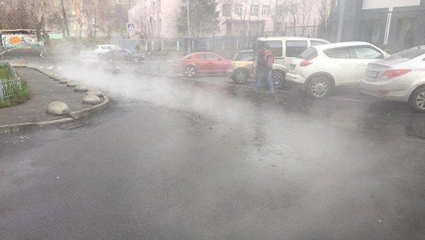 Из-за порыва трубы один израйонов украинской столицы залило кипятком