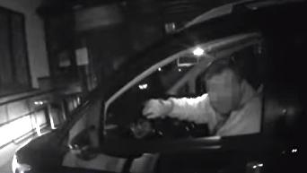 Тернопольский депутат в инвалидной коляске избил полицейскую. Видео