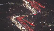 День Благодарения. Появились кадры гигантской пробки в Лос-Анджелесе. Видео