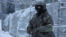 Вооруженные люди на улицах Луганска