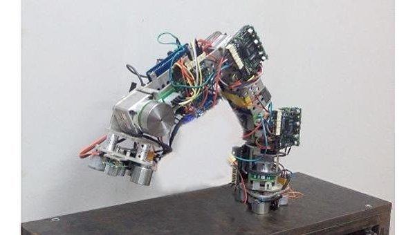 В Китае разработан робот, которые лазит по стенам