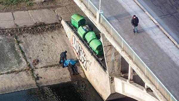 НаРусановском мосту повесился мужчина