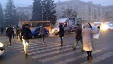 Протестующие перекрыли дорогу в Тернополе