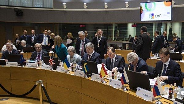 Петр Порошенко на пленарной сессии саммита Восточного партнерства в Брюсселе