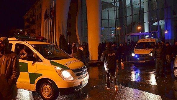 ВБатуми впожаре впятизвездочном отеле погибли 11 человек