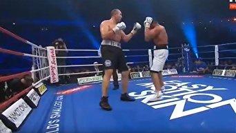 Устинов проиграл Чарру в бою за титул WBA в супертяжелом весе. Видео