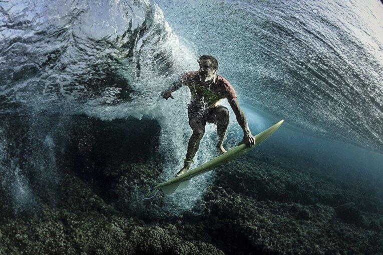 Снимок американского фотографа Родни Барсила Донавон прорывается сквозь тьму был удостоен третьего места конкурса