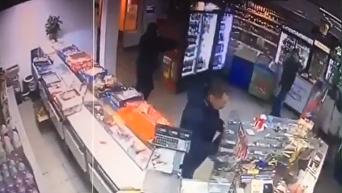 Появились кадры ограбления в Киеве с участием сына нардепа. Видео