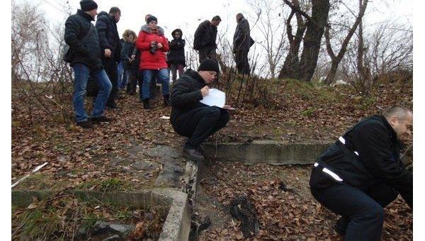 Неприятелю непожелаешь: собачка киевлянина вовремя прогулки «откопала» труп