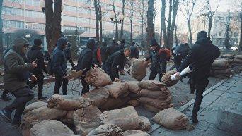 Погром на съемках сериала о советских прокурорах в Харькове с участием Национального корпуса
