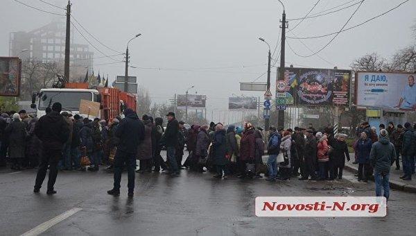 Рабочие «Николаевского судостроительного завода» разблокировали Варваровский мост
