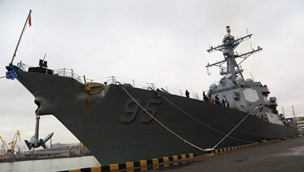 Американский эсминец USS James E. Williams (DDG95) зашел в одесский порт